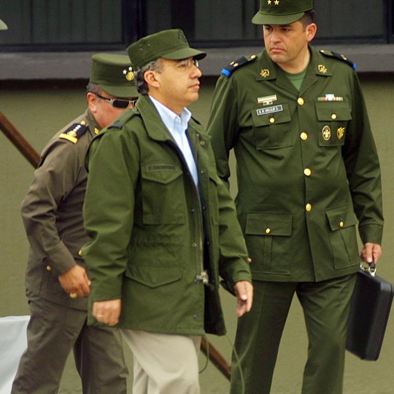 calderon-militar-5